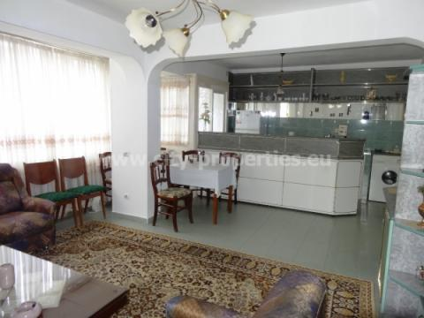 Имот за продан в Благоевград, Идеален център, В близост до ЮЗУ, В близост до AUBG